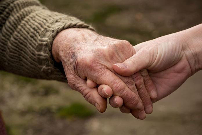 Czy opieka osób starszych to łatwy zawód